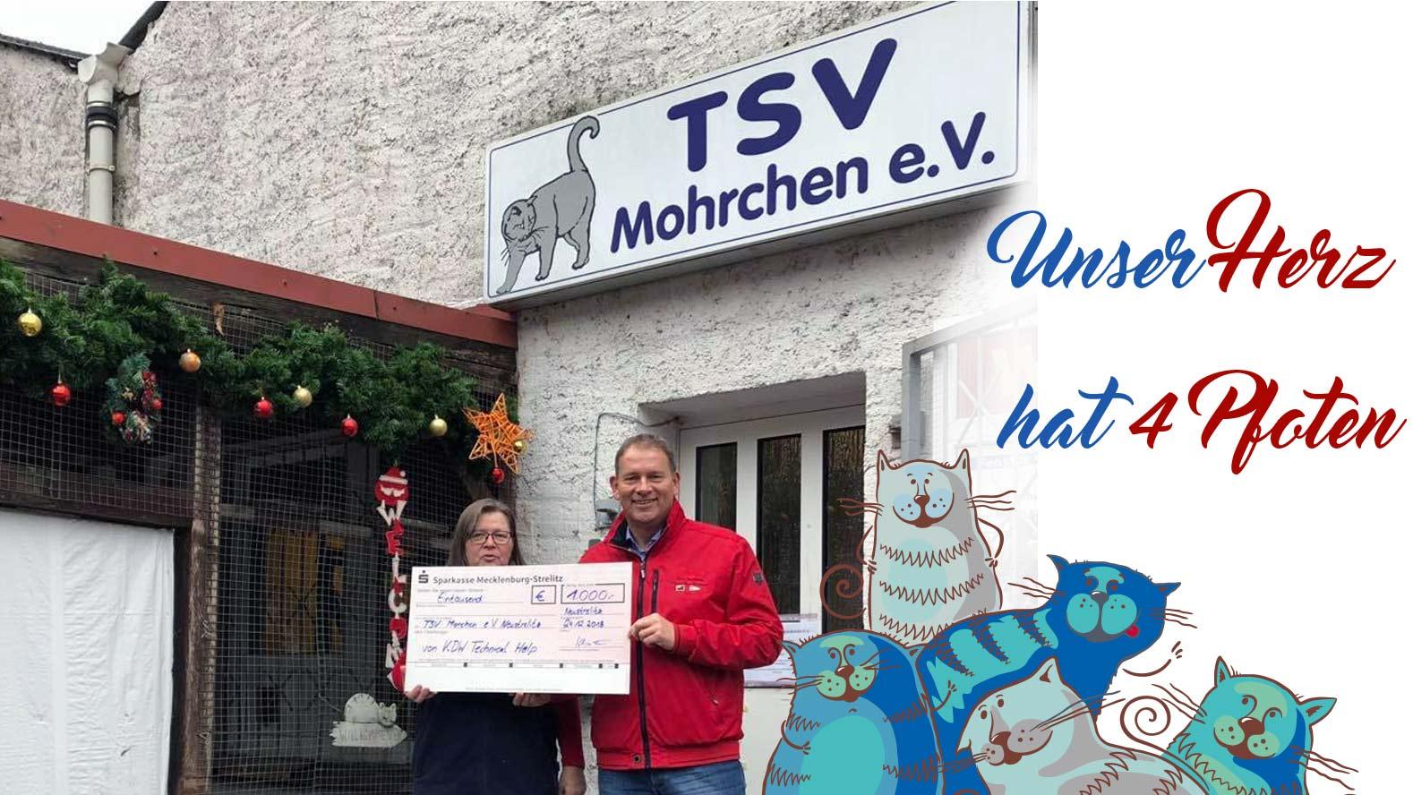 KDW Neustrelitz spendet 1000€ an den TSV Mohrchen. Klaus Oesteroth überreicht den Scheck an Birgit Schäfers